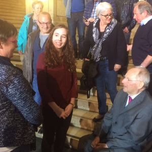 Juniorbotschafterin Julia Fengler im Gespräch mit Dr. Wolfgang Schäuble